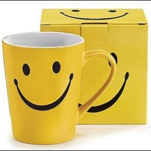 Yellow Smiley Face Stoneware Coffee Mug 14 Oz